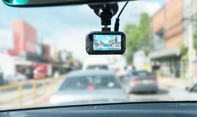 How Dashboard Camera Help You with Accidents